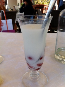 Lemon sorbetto with wild strawberries